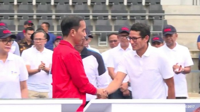 Isi Masa Tenang, Jokowi dan Sandiaga Uno Sama-sama Umrah