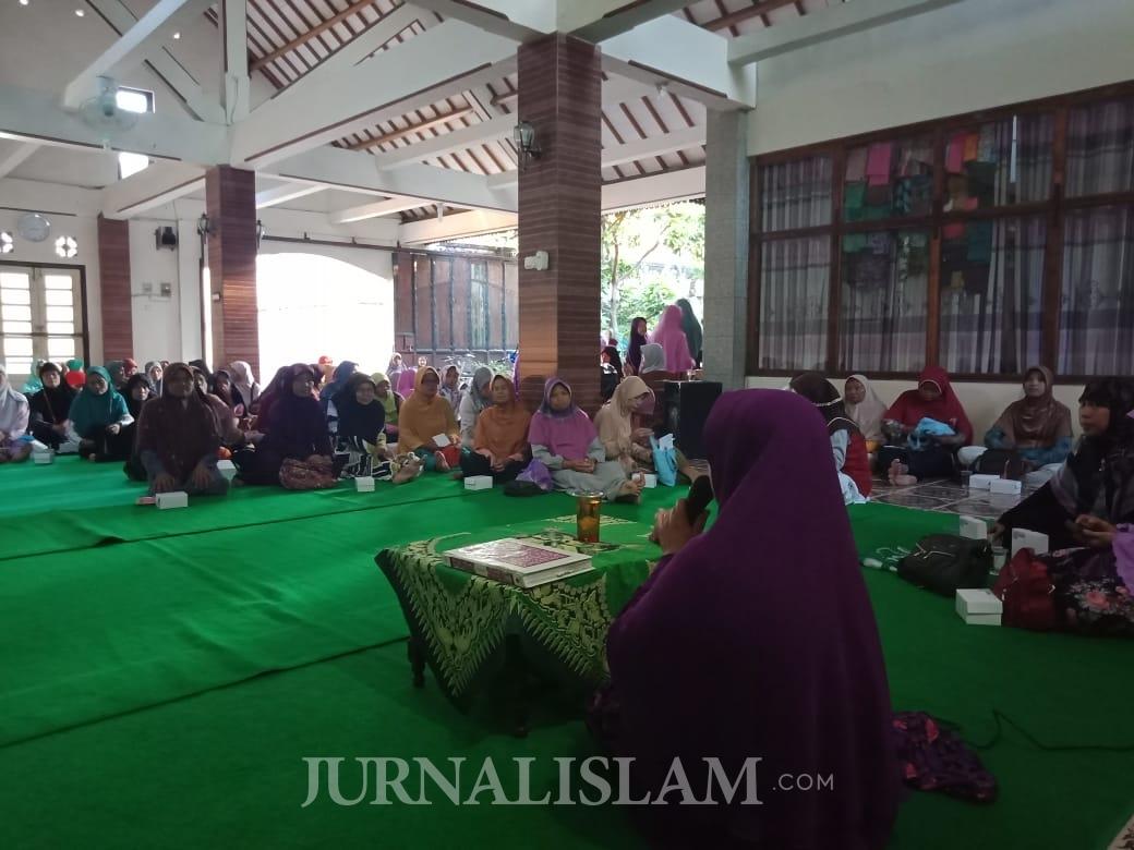 Salimah Laweyan Berbagi Ceria Ramadhan