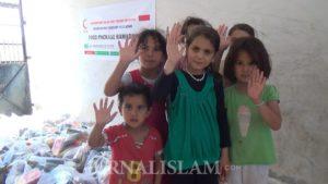BSMI Beri Paket Sembako Idul Fitri untuk Masyarakat Suriah