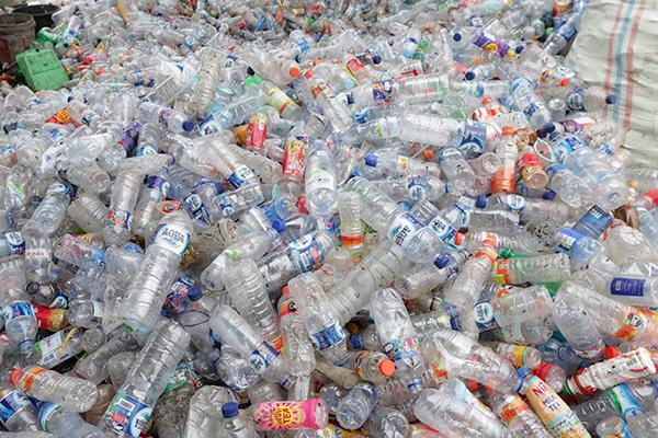 Insitusi Pemerintah Diminta Jadi Teladan Kurangi Sampah Plastik