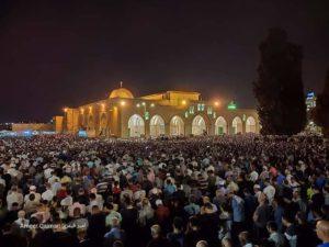 Pekan Terakhir Ramadhan, Puluhan Ribu Jamaah Padati Masjid Al-Aqsha