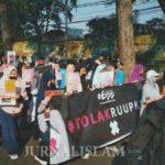 Aksi Teatrikal Kaum Hawa Tolak RUU P-KS di Car Free Day Bandung