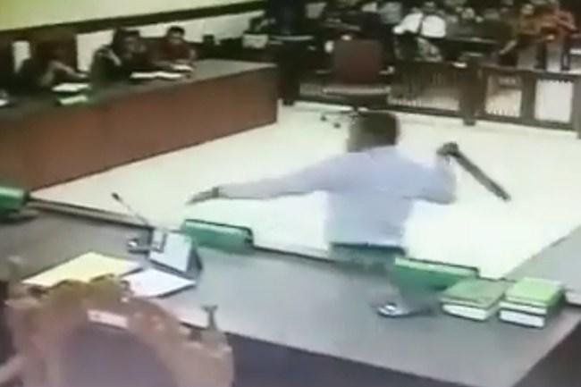 Kasus Ikat Pinggang