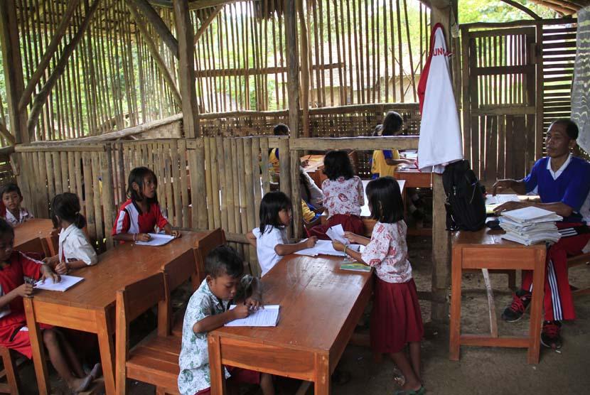 Polemik Zonasi, Akibat Belum Merata Pendidikan Berkualitas di Indonesia