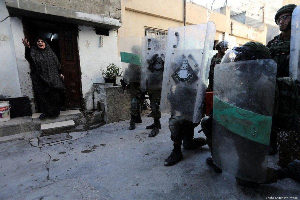 Tentara Zionis Gerebek Kamp Pengungsi Hebron Cari Mahasiswa