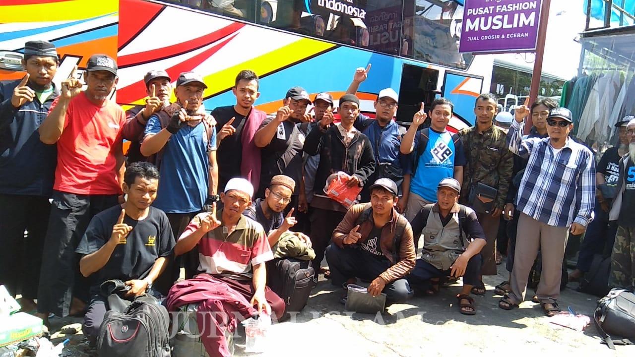 100 Bus Angkut Peserta Reuni 212 dari Solo ke Jakarta