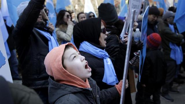 Ribuan Warga Hongkong Gelar Aksi Bela Uighur
