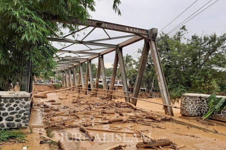 Banjir Bandang Menerjang Lebak Banten di Awal 2020