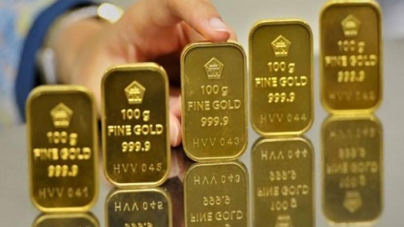Harga Emas Dunia dan Antam Meroket
