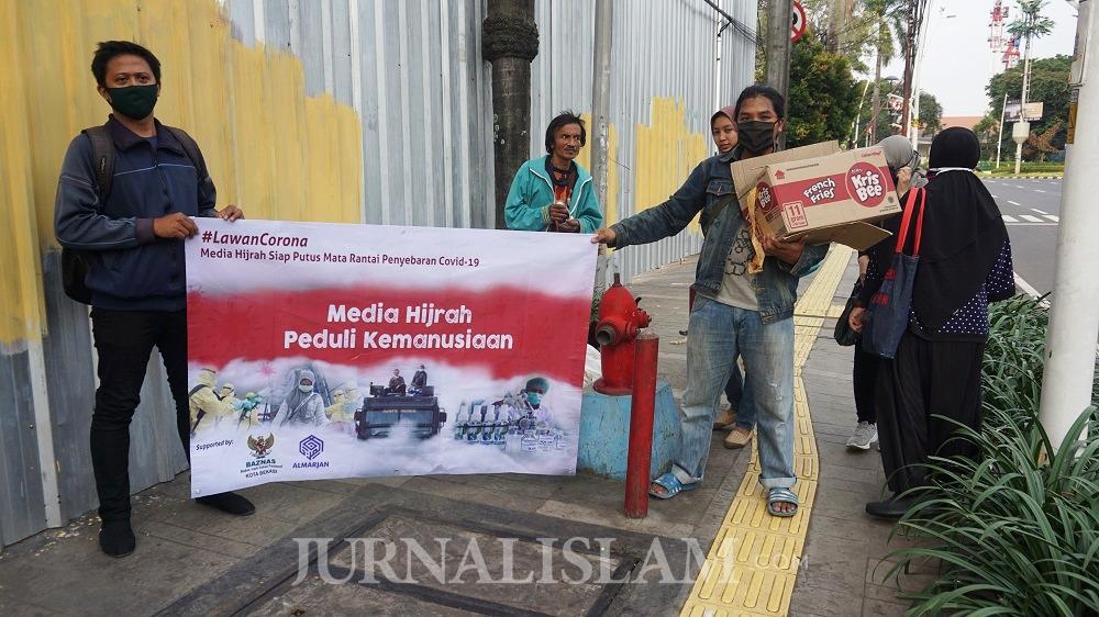 Perkumpulan Jurnalis Media Hijrah #LawanCorona, Bagikan 1000 Hand Sanitizer dan 1000 Masker