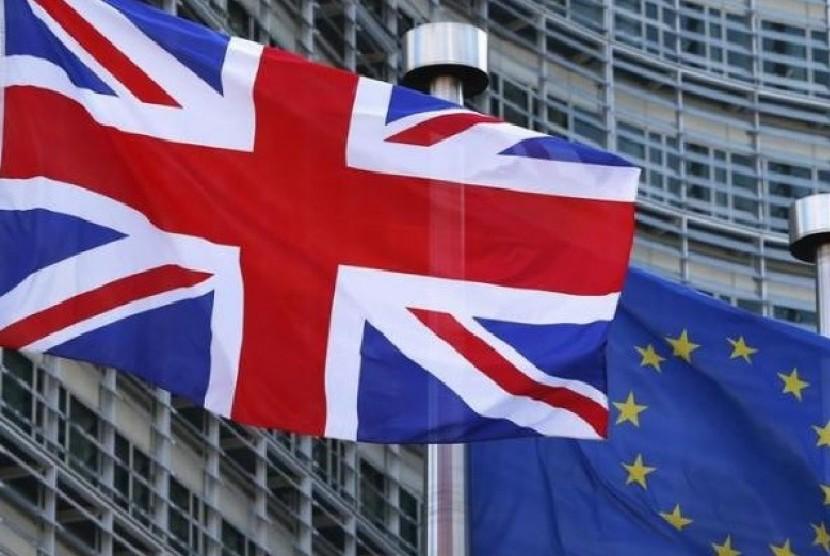 Sebagian Besar Toko-toko Inggris Akan Dibuka Kembali