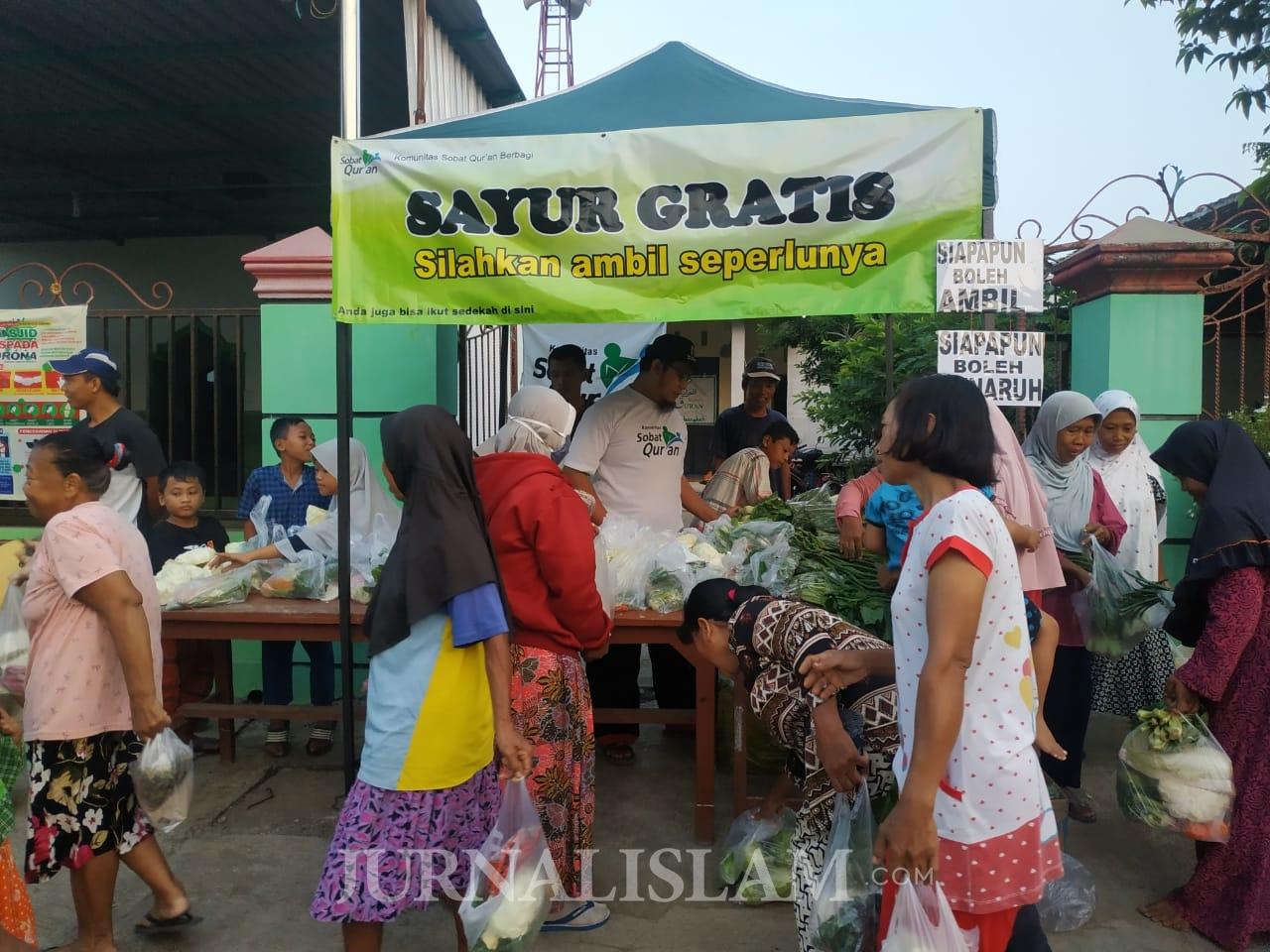 Komunitas Sobat Qur'an Sukoharjo Berbagi Sayuran Gratis