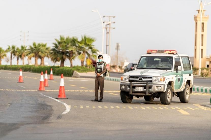 Kasus Corona Naik, Saudi Kembali Tutup Tempat Publik