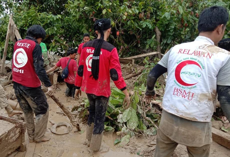 Ribuan Keluraga Mengungsi Pasca Banjir Bandang Luwu Utara