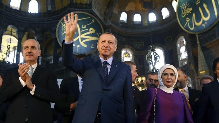 Hagia Sophia Jadi Masjid Diprotes Negara Barat, Erdogan Cuek