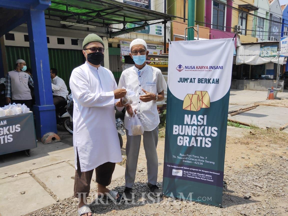 Yayasan Nusa Karya Insani Berbagi Nasi Jumat Berkah