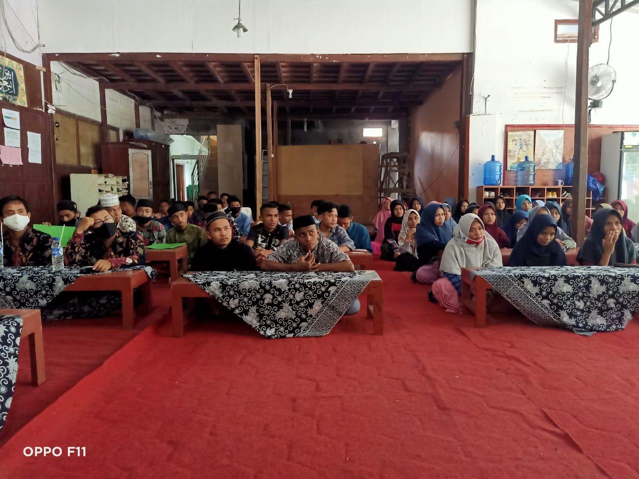 AR Learning Center Salurkan Sembako Ke Yayasan Madania Yogyakarta