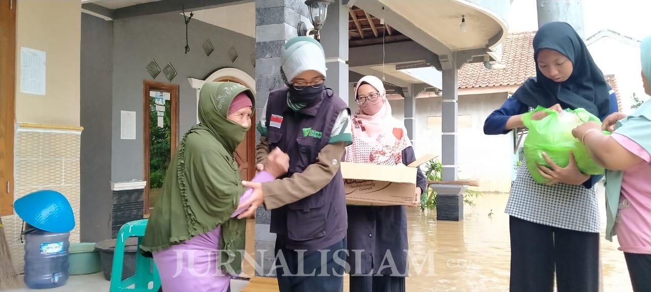 Dompet Dhuafa Purwokerto Sisir Korban Banjir Kebumen dan Cilacap