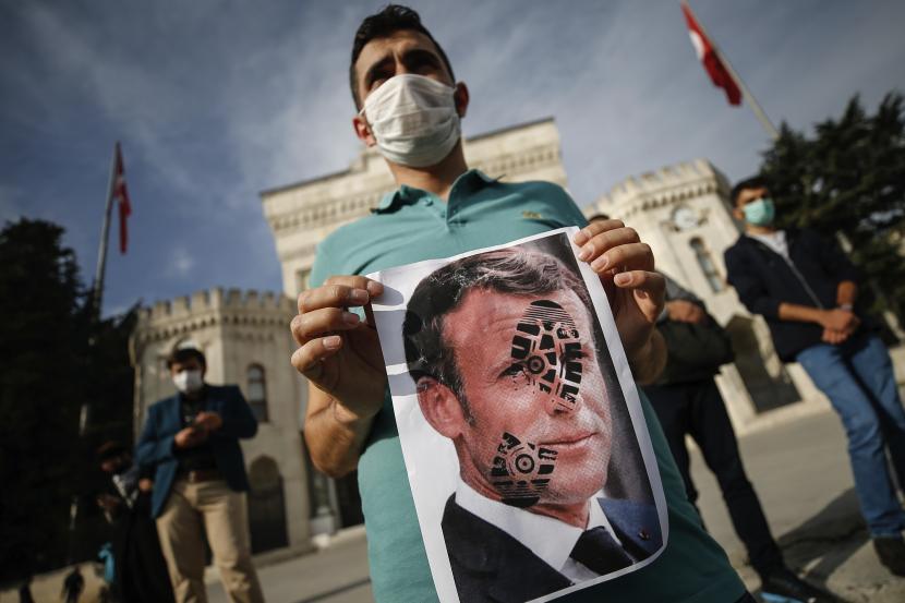 Dalih Kebebasan Hina Nabi ala Prancis Tidak Bisa Diterima