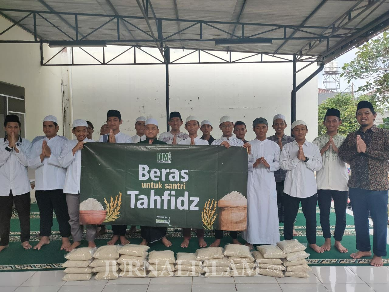 Yayasan Pesmadai Salurkan Bantuan untuk Penghafal Qur'an di Lampung