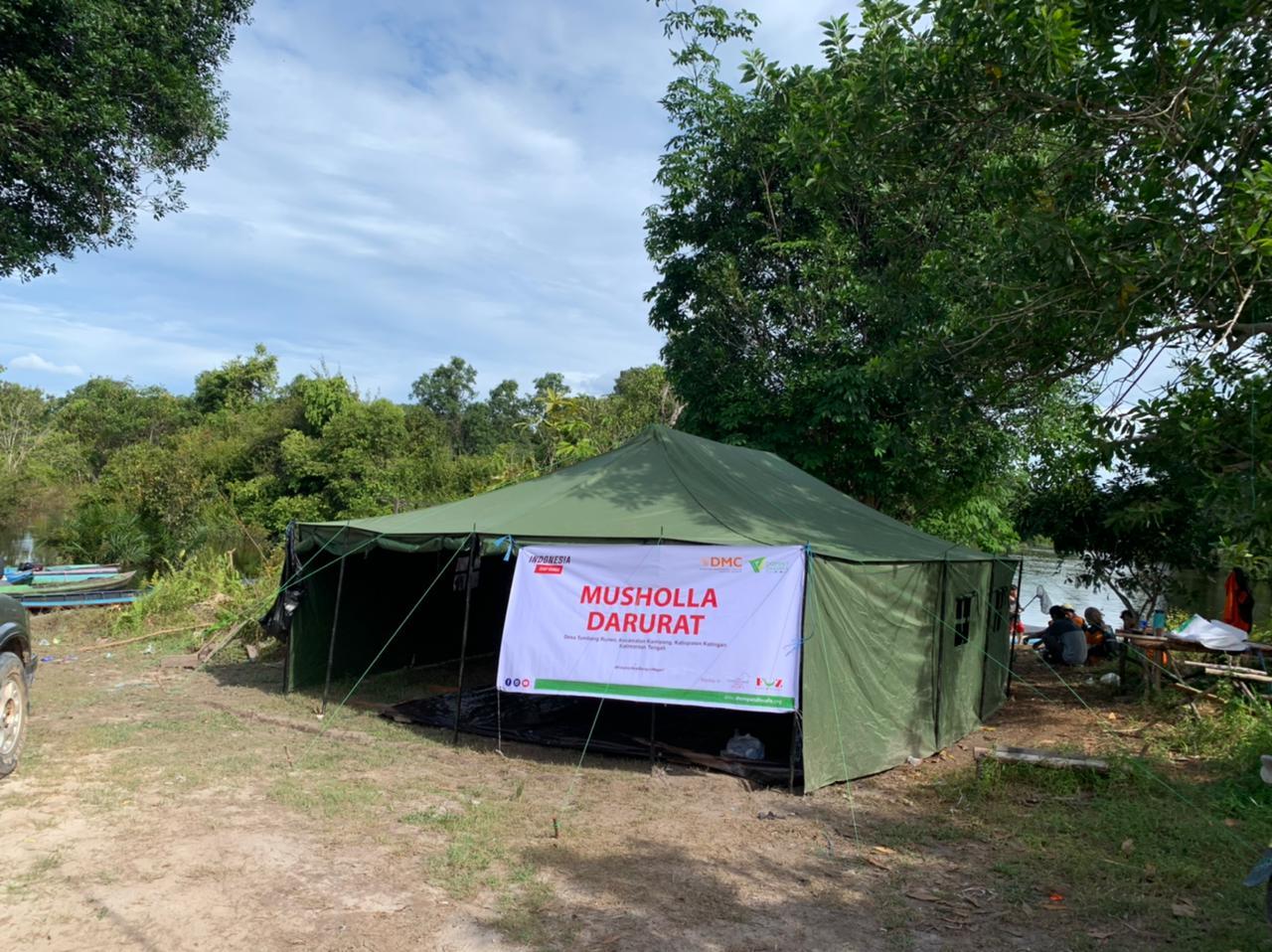 DMC Bangun Mushollah Darurat sampai Distribusi Makanan Ke Rumah Pengungsi