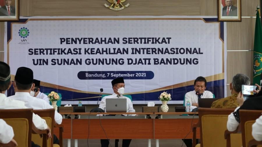 28 Dosen UIN Bandung Lulus Uji Kompetensi Internasional